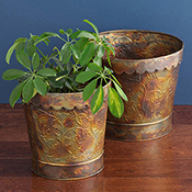 Hammered Ironworks Planters Set